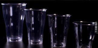 Innovatieve recyclebare kunststof glazen met glasuitstraling
